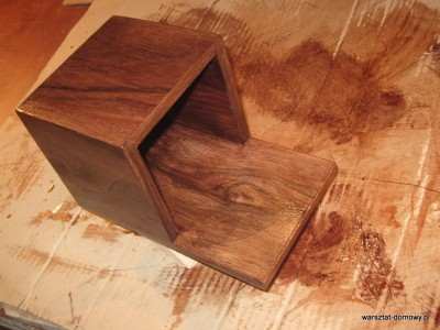 IMG 0632 400x300 Proste, fornirowane pudełko na długopisy