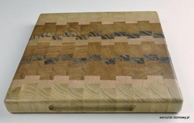 DSC 4080 400x253 Kwadratowa deska do krojenia   jesion, mahoń, czarny dąb