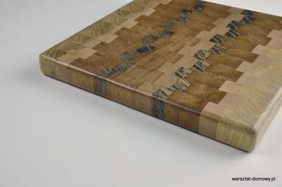 DSC 4088 400x265 Kwadratowa deska do krojenia   jesion, mahoń, czarny dąb