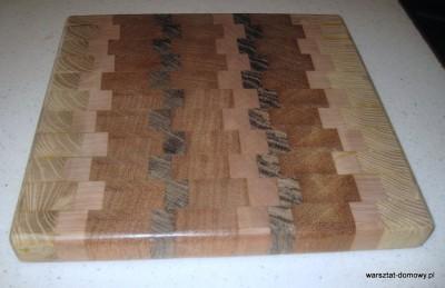 IMG 1085 400x259 Kwadratowa deska do krojenia   jesion, mahoń, czarny dąb