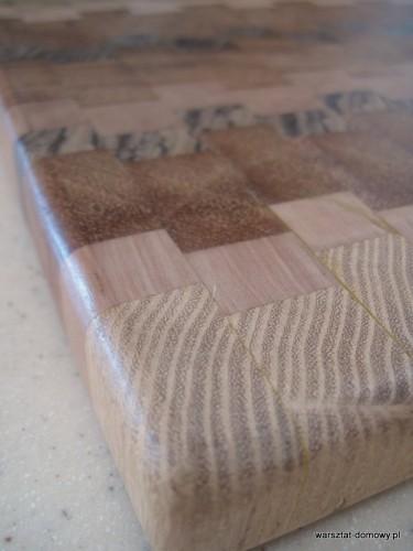 IMG 1091 375x500 Kwadratowa deska do krojenia   jesion, mahoń, czarny dąb