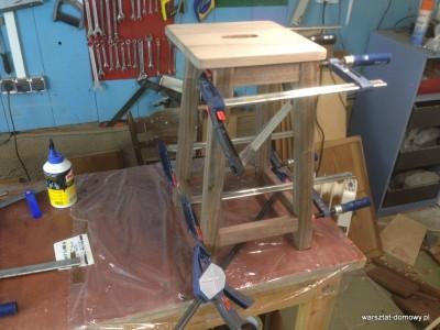 2014 01 28 00.29.09 400x300 Relacja z budowy stołka warsztatowego – dzień trzeci (#SSBO)
