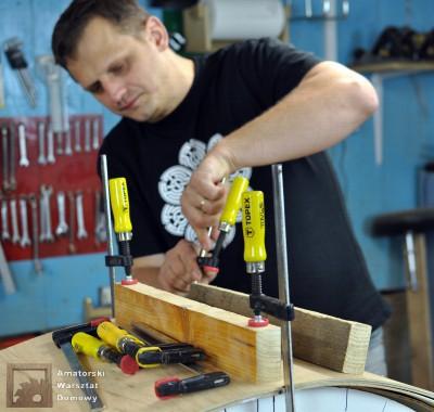 DSC 0091 400x380 Półokrągły stojak na drewno kominkowe   cz. 1