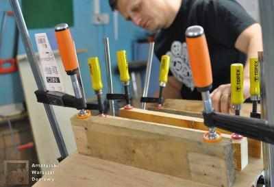 DSC 0097 400x273 Półokrągły stojak na drewno kominkowe   cz. 1