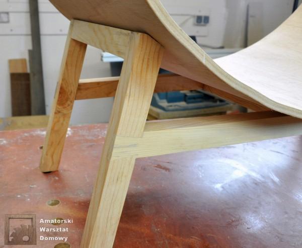 19 DSC 0409 600x493 Półokrągły stojak na drewno kominkowe   cz. 2